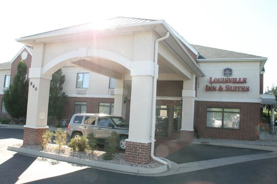BEST WESTERN PLUS Louisville Inn & Suites: vu de l'entrée principale