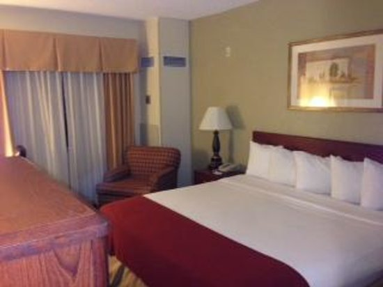 Holiday Inn Express & Suites Minneapolis Airport-Mall Area: Room
