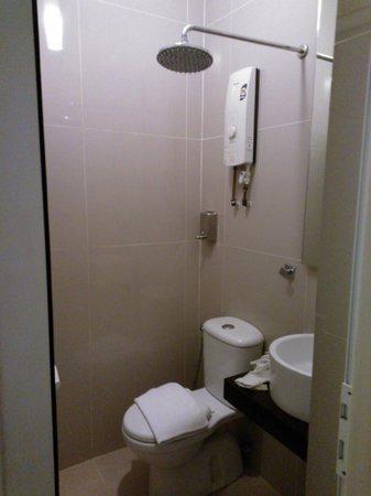 Chulia Heritage Hotel Small Size Bathroom Inside The Bedroom