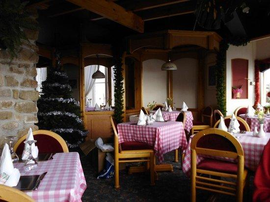 Gino's Spaghetti House: Part interior