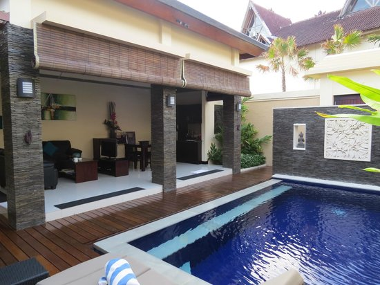 My Villas in Bali : Private pool & dining area