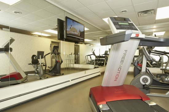 Colonial Square Inn & Suites : Fitness Center
