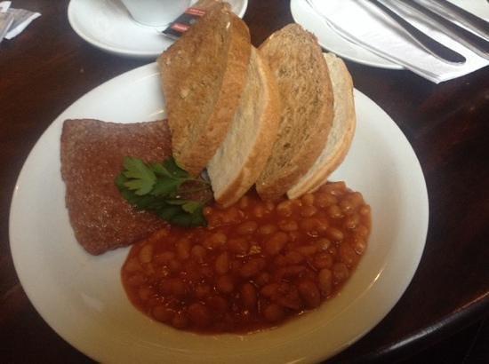 West Port Bar & Kitchen: brown toast excellent