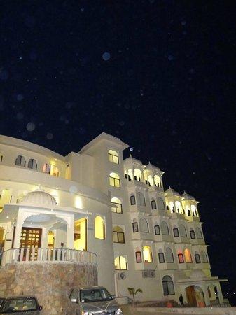 Bhairav Garh Palace: Hotel Front Night View