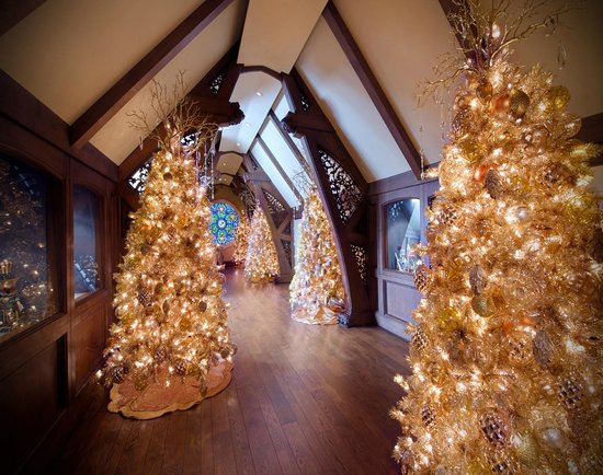 Gold Trees In The Gothic Gallery Picture Of Paine Art Center And Gardens Oshkosh Tripadvisor
