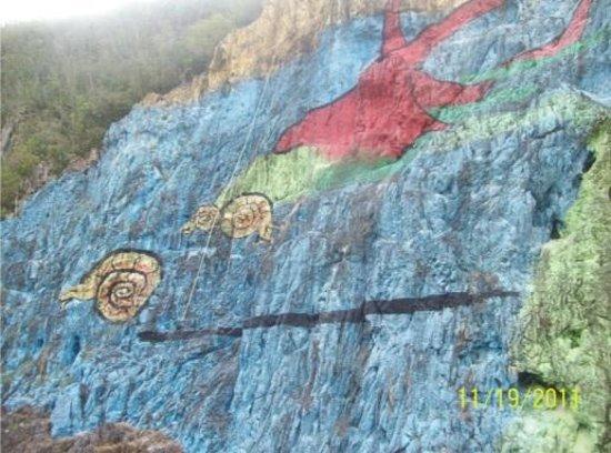Prehistoria picture of mural de la prehistoria vinales for Mural de la prehistoria