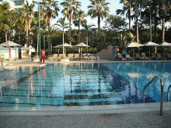 Disney's Hollywood Hotel: Piano-themed outdoor pool