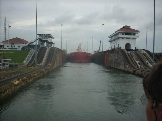 Radisson Summit Hotel And Golf: Panama Canal--close to the hotel, but hidden by the forest