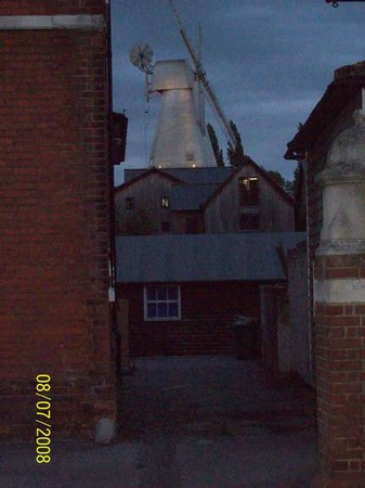 Union Mill : Windmill at Dusk from Waterloo Road