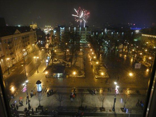 Novotel Vilnius: Вид из номера в Новый Год ! (00:00)