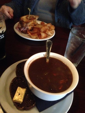 Corgans' Publick House: Irish stew and a reubin
