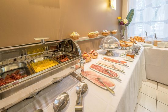 Hotel Le Miredames: Petit déjeuner