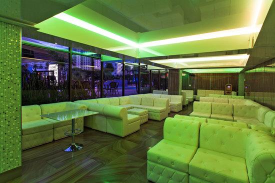 Royal Beach Palace: Bar/Lounge