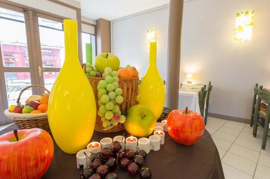 Hotel Le Miredames: Salle du petit déjeuner