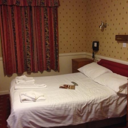 Cliffdene Hotel: very clean double