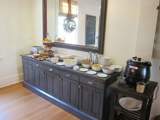 Inn at the Presidio: Breakfast bar with fruit, oatmeal, meat & cheese, eggs,