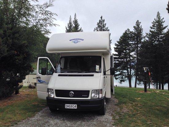 Lake Tekapo Motels & Holiday Park : Sites with views over the lake
