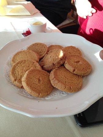 Albergo Stella Alpina: Biscottini di Prosto