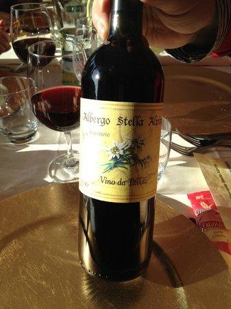 Albergo Stella Alpina: Vino rosso della Casa