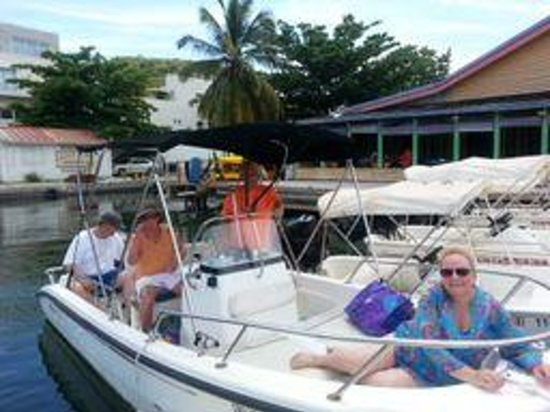 Simpson Bay, St Marteen/St. Martin : What a nice day on the 16 ft. Boson Whaler.