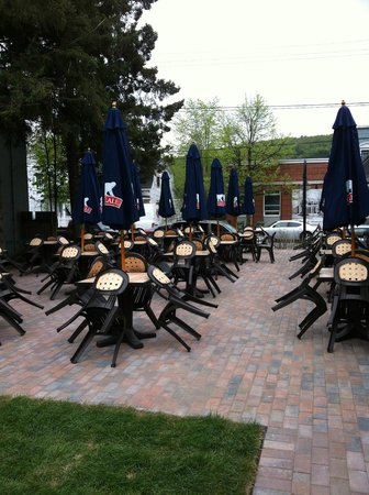 Arome Cafe Bistro : Terrasse