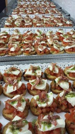 Oz en Oisans, فرنسا: bruchettas jambon, tomate et basilic
