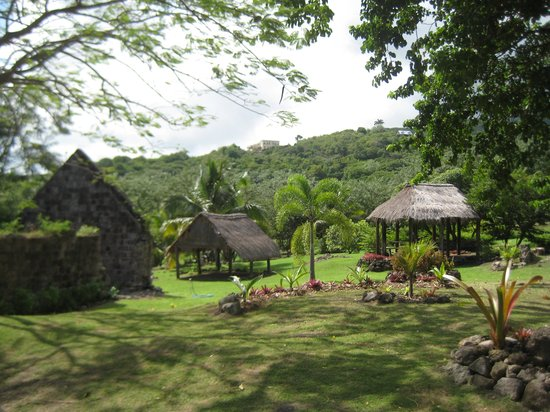 Nevisian Heritage Village at Fothergills Estate : The two Carib houses
