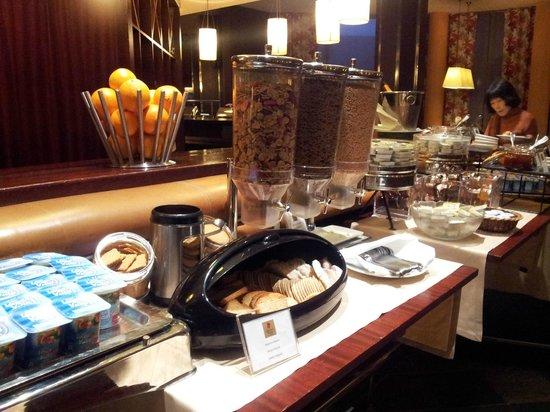 Crowne Plaza Porto : Comedor - desayuno