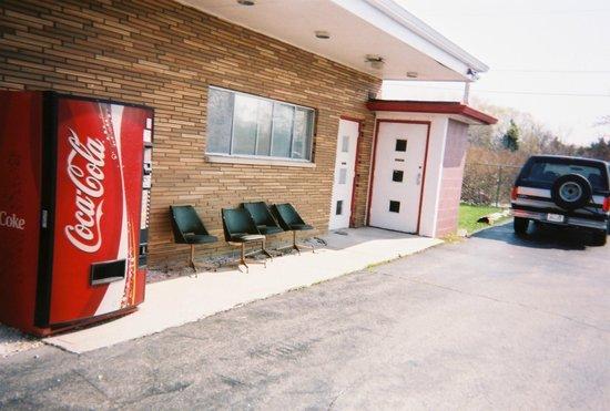 Port Zedler Motel: Side of motel