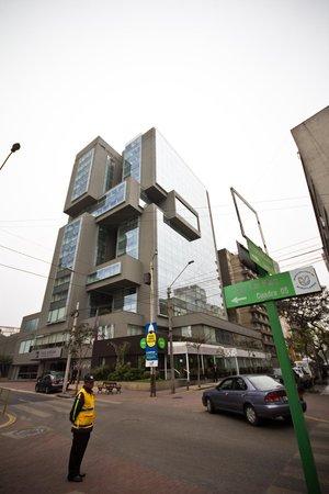 Casa Andina Premium Miraflores: Modern building