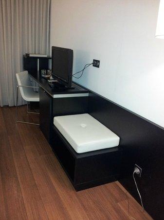Axor Barajas Hotel: Vista habitación