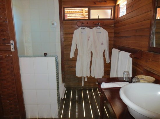 Flamingo Bay Water Lodge: Bathroom
