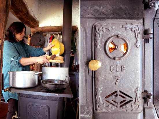Taberna do Castelo: cooking on wooden stove