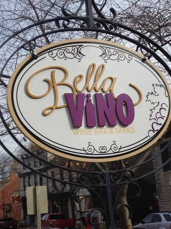 ‪Bella Vino Wine Bar & Tapas‬