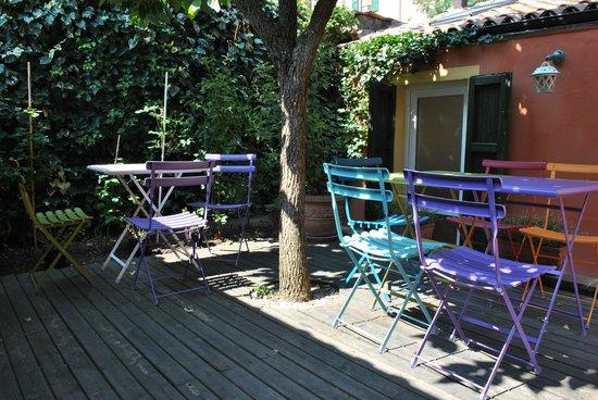 Hotel Porta San Mamolo: Courtyard