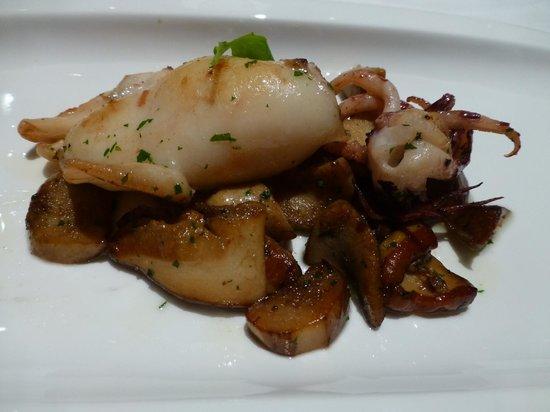 Restaurante Europa: Hongos con calamar