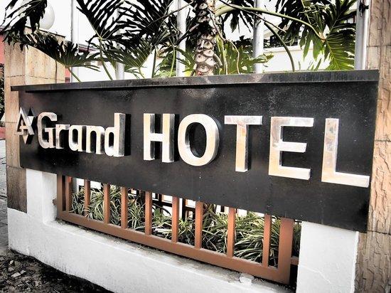 Grand Hotel Kathmandu: Entrance