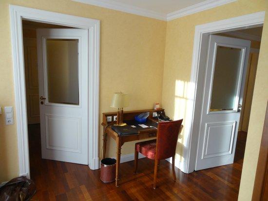 Hotel Vier Jahreszeiten Kühlungsborn: Schreibtischecke in Suite 144