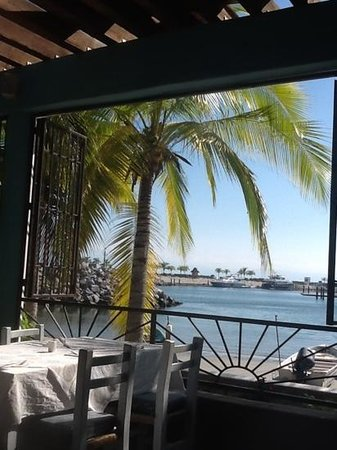Restaurante del mercado del mar.: perfect way to spend the afternoon (or evening)..music too!