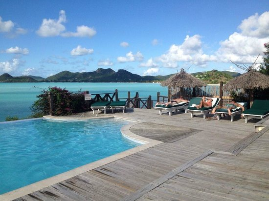 Cocobay Resort: The new second pool...Loved it