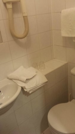 Merlyn Court Hotel: bagno