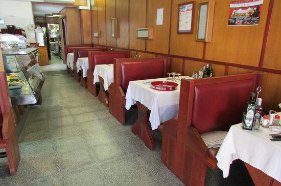 Pizzeria Trattoria Leon Coronato: Leon Coronato: interior