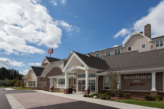 Residence Inn Springfield Chicopee: front of hotel