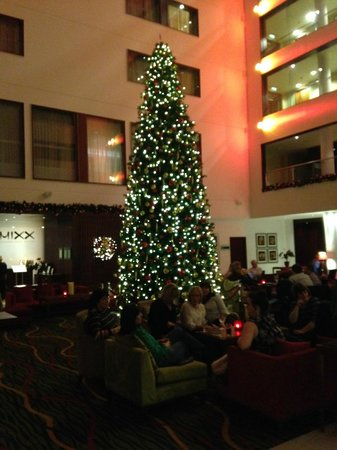 Leicester Marriott Hotel: Holiday decorations