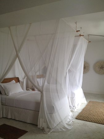 The Oyster Bay Hotel: Double Beds with mosquito nets