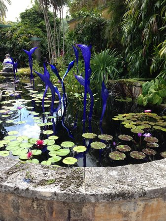 Fairchild Tropical Botanic Garden: chihuly exhibit