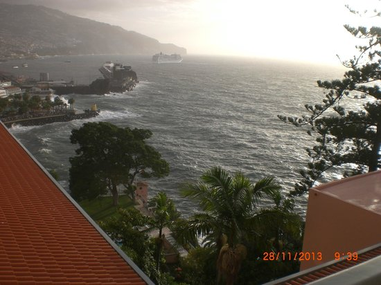Belmond Reid's Palace : Nuestra preciosa vista de la Bahía de Funchal.