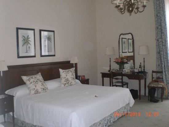 Belmond Reid's Palace : Vista lado derecho de la habitación