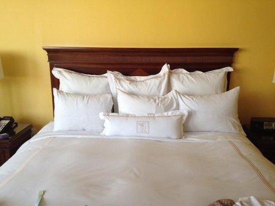 JW Marriott Miami : king bed