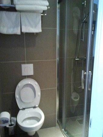 Hotel Espresso: Bathroom